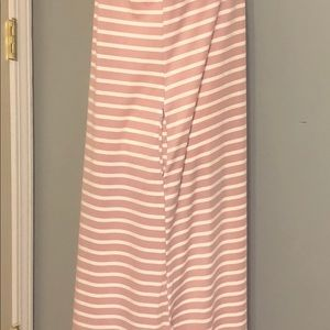 Entro Dresses - Entro Maxi Dress - Short-Sleeve with Pockets